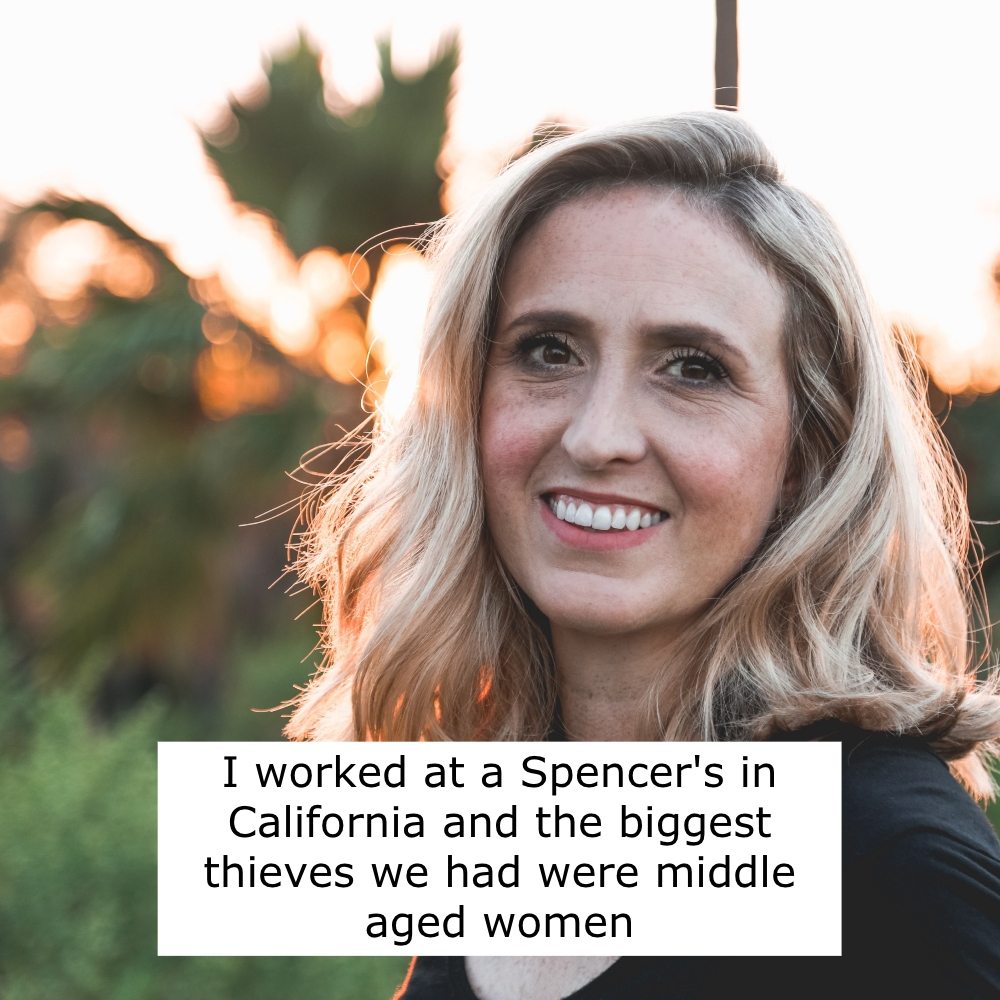 40+ Stories From People Who Worked at Spencer's in the Early 2000s