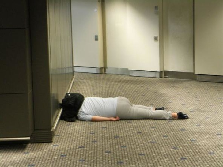 50+ Moments At Airports That Caused Such A Stir – People Couldn't Help But Stare