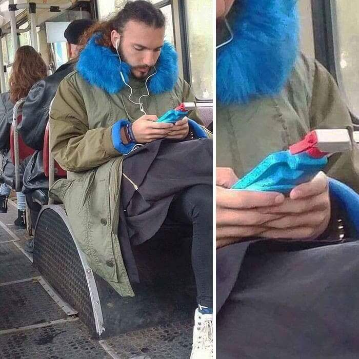 35 Bizarre and Funny Things Spotted On Public Transportation